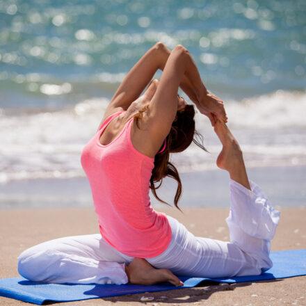 Anche ad Agosto yoga on line a casa o in vacanze